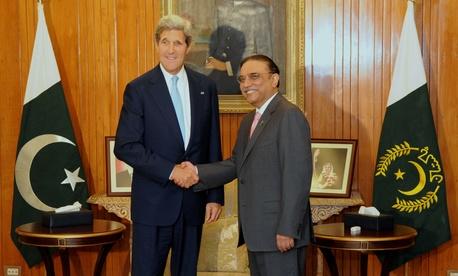Secretary of State John Kerry meeting with Pakistan's President Asif Zardari