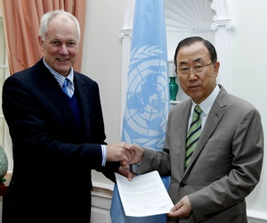 U.N Secretary General Ban Ki-Moon and Ake Sellstrom, the head of the chemical weapons team assigned to Syria