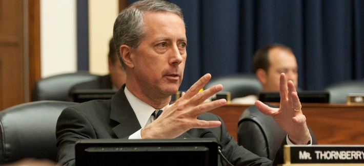 Representative Mac Thornberry (R-Texas) questions then-Secretary of Defense Leon Panetta and Secretary of Veterans Affiars Eric Shinseki at a joint session of the House Armed Services Committee and the House Committee for Veterans, July 25, 2012.