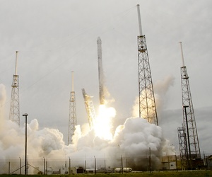 A rocket carrying the SpaceX Dragon lifts off from launch complex 40 at Cape Canaveral Air Force Station in Cape Canaveral Fla., on April 18, 2014.