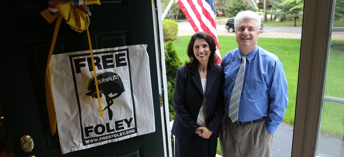 John and Diane Foley, parents of slain journalist James Foley, are photographed at their home in Rochester, N.H., May 18, 2011 before holding a press conference about the release of their son.