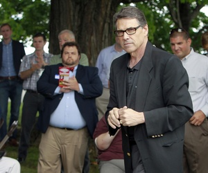 Texas Governor Rick Perry speaks at a GOP picnic in Chichester, New Hampshire, on August 23, 2014.