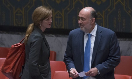 Israel's Ambassador to the U.N. Ron Prosor (right), speaks with U.S. Ambassador to the U.N. Samantha Power after a meeting of the U.N. Security Council, on July 28, 2014.