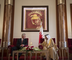 Defense Secretary Chuck Hagel meets with King Hamad of Bahrain at the Safriya palace in Manama, on December 12, 2013.