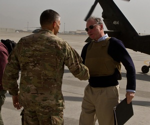 U.S. Senator Kaine greets Major General Townsend, commander of regional command east in Bagram.