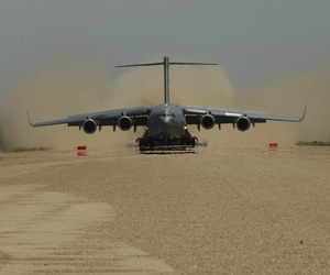 A U.S. Air Force C-17 Globemaster III aircraft lands at Schoover Field, Fort Hunter Liggett, Calif., on May 14, 2011.