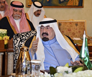 Saudi King Abdullah meets with rulers of the Gulf Cooperation Council during an emergency session in Riyadh, Saudi Arabia, on November 16, 2014.