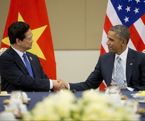 U.S. President Barack Obama, right, and Vietnam's Prime Minister Nguyen Tan Dung, shake hands during their bilateral meeting at the Myanmar International Convention Center, Thursday, Nov. 13, 2014 in Naypyitaw, Myanmar.