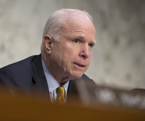 Senate Armed Services Committee Chairman Sen. John McCain, R-Ariz. questions former CIA Director David Petraeus during the committee's hearing on Middle East policy, Tuesday, Sept. 22, 2015, on Capitol Hill in Washington.