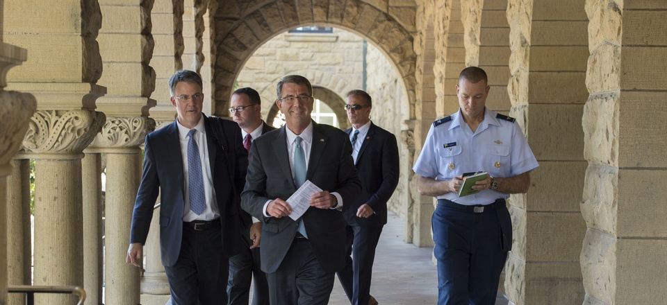 Secretary of Defense Ash Carter walks through the Stanford University campus in Palo Alto, Calif., during a visit May 11, 2016.