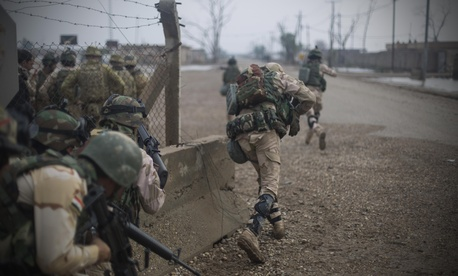 Iraqi soldiers training at Camp Taji, Iraq, Nov. 18, 2015.