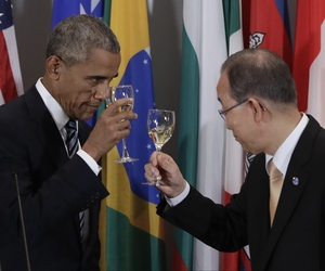 President Barack Obama and United Nations Secretary General Ban Ki-moon toast at a luncheon during the 71st session of the United Nations General Assembly at the UN headquarters, Sept. 20, 2016.