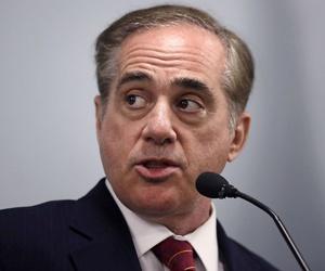VA Secretary David Shulkin said the department's legislative proposal honors a promise not to privatize the VA's mission.