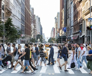 A busy crosswalk in New York City