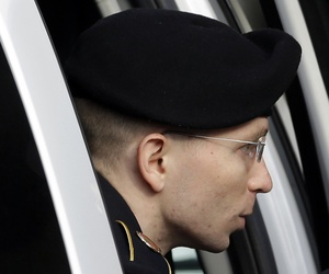 Bradley Manning leaving a security vehicle at Fort Meade