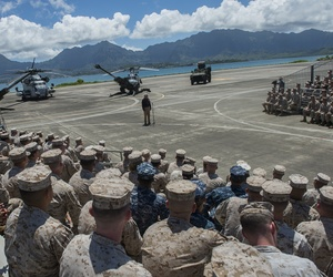 Defense Secretary Chuck Hagel meets with Marines at Marine Corps Air Station Kaneohe Bay last week.