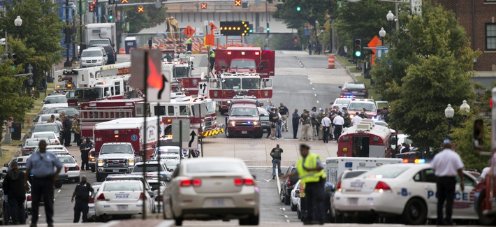 Emergency personnel responding to the scene of a shooting at Washington Navy Yard