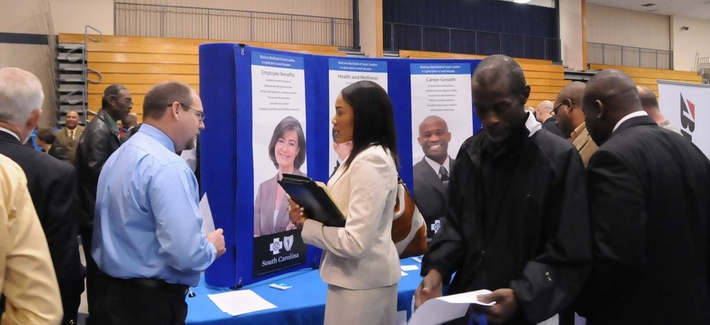 Veterans and soldiers at a job fair at Fort Jackson
