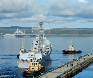 The guided missile destroyer USS Farragut arrives in Severomorsk, Russia,  on Aug. 26, 2012, for a two-day visit after participating in exercise Northern Eagle 2012.