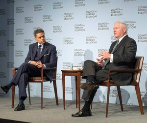 Former Defense Secretary Bob Gates speaks with Fareed Zakaria at an event at the Council on Foreign Relations on May 20, 2014.