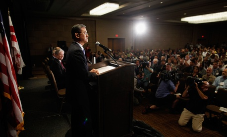 Former Veterans Affairs Secretary Eric Shinseki speaks at a meeting of the National Coalition for Homeless Veterans, May 30, 2014, in Washington.
