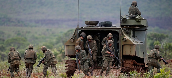 Brazilian Marines take part in military training in the Formosa Training Camp, in Goias, north of Brasilia, on October 29, 2014.