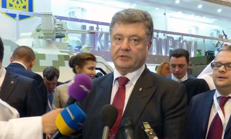 Ukrainian President Petro Poroshenko at the 2015 IDEX arms exposition in Abu Dhabi.