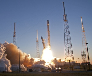 An unmanned Falcon 9 SpaceX rocket lifts off from launch complex 40 at the Cape Canaveral Air Force Station, Wednesday, Feb. 11, 2015.