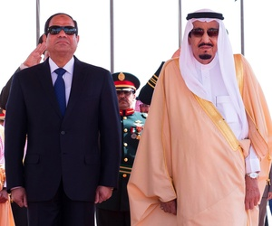 Saudi King Salman, right, stands with Egyptian President Abdel-Fattah el-Sissi during his arrival ceremony at Riyadh Airbase, Riyadh, Saudi Arabia, on March 1, 2015.