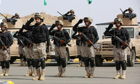 """Royal Saudi Land Forces and units of Special Forces of the Pakistani army take part in a joint military exercise called """"Al-Samsam 5"""" in Shamrakh field, north of Baha region, southwest Saudi Arabia, Monday, March 30, 2015."""