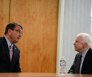 Secretary of Defense Ash Carter meets with Sen. John McCain at Phoenix Sky Harbor Airport in Phoenix April 6, 2015.