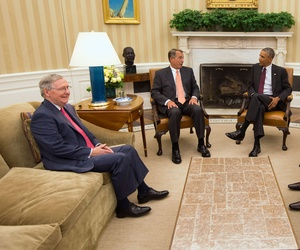 President Barack Obama meets with Congressional leaders in the Oval Office of the White House in Washington, Tuesday, Sept. 9, 2014, to discuss options for combating the Islamic State.