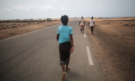 Yemeni refugee trek from their camp to the center of Obock city, northern Djibouti, May 20, 2015.
