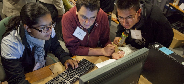 Computing Sciences hosted 14 local high school students as part of an outreach program to introduce students to various career options in scientific computing and networking.