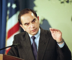 Assistant Secretary of State Edward Djerejian gestures while meeting with reporters at the State Department in Washington on Nov. 19, 1992, to discuss the Middle East peace talks.