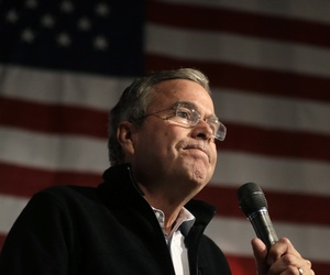 Republican presidential candidate, former Florida Gov. Jeb Bush, former U.S. Sen. Scott Brown, R-Mass., at a campaign event, Tuesday, Nov. 3, 2015, in Brown's barn, in Rye, N.H.