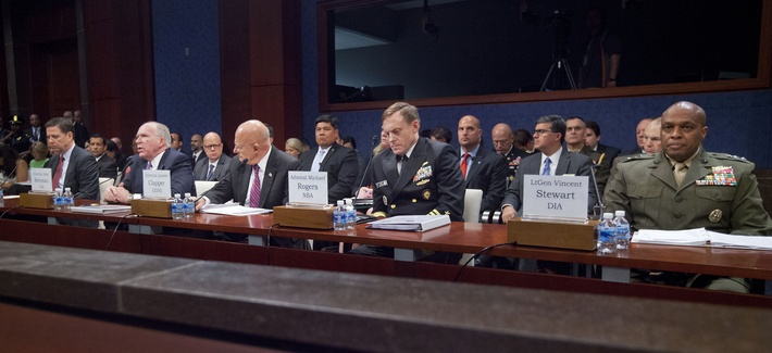FBI Director James Comey, CIA Director John Brennan, DNI James Clapper, Director of the NSA Adm. Michael Rodgers, and DISA Director Lt. Gen. Vincent Stewart testify at a Capitol Hill hearing on cyber threats, Sept. 10, 2015.