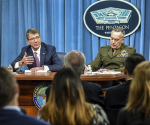 Defense Secretary Ash Carter and Gen. Joseph Dunford, Joint Chiefs chairman, at the Pentagon, Feb. 29, 2016.