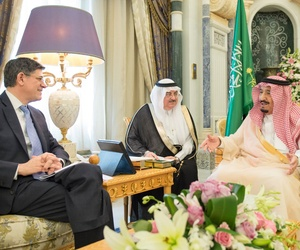 Saudi Arabian king Salman bin Abdulaziz Al Saud receives U.S. Treasury officials.