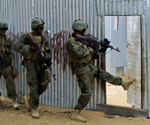 Somali government security forces hunt for al-Shabaab suspects in 2012.
