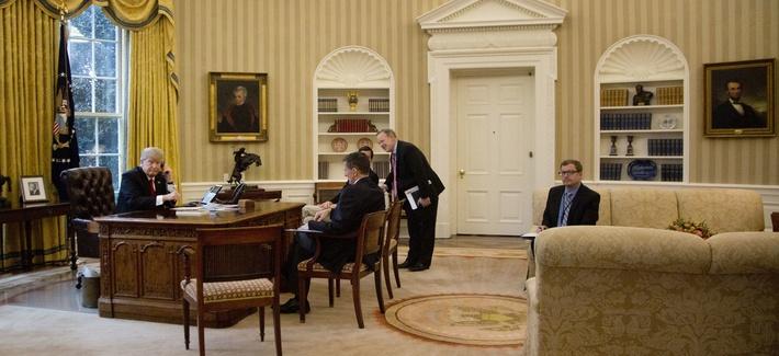President Donald Trump, left, and National Security Adviser Michael Flynn, second from left, press secretary Sean Spicer, right, and Senior Advisor to the President Jared Kushner, speaks on the phone with Saudi Arabia's King Salman, Jan. 29, 2017.