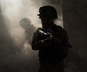 Iraqi Counter-Terrorism Service soldiers coordinate to tactically enter and clear rooms during an urban operation terrain exercise near Baghdad, Iraq, Nov. 27, 2016.