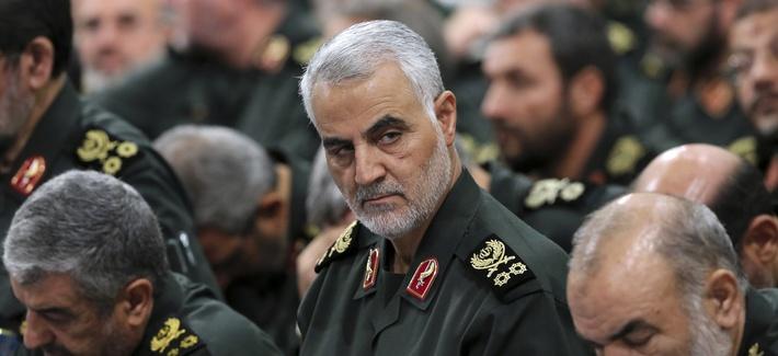 Revolutionary Guard Gen. Qassem Soleimani, center, attends a meeting with Supreme Leader Ayatollah Ali Khamenei, Sep, 16, 2016.