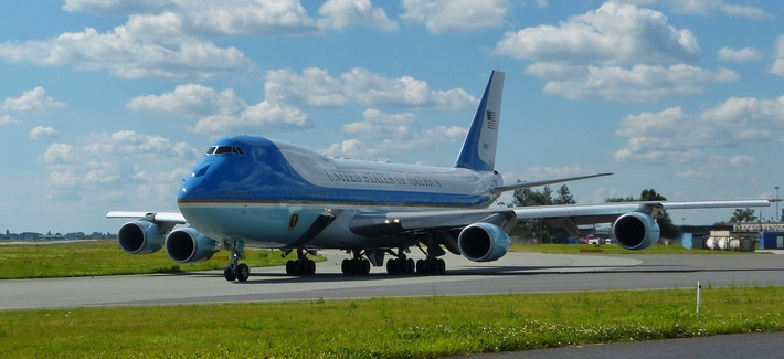 One of the current Air Force One jets — a VC-25A based on a Boeing 747-200B — takes off from Warsaw's Chopin Airport in 2017.