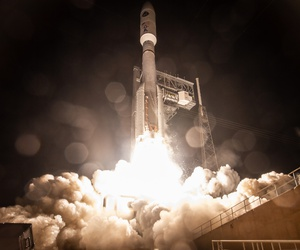 A United Launch Alliance Atlas V rocket carrying the AEHF-4 satellite lifts off at Cape Canaveral Air Force Station, Florida, on Oct. 17.