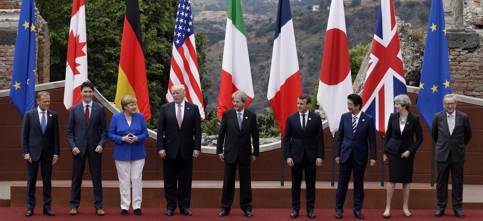 A group photo at the G7 summit in the Sicilian citadel of Taormina, Italy, May 27, 2017.