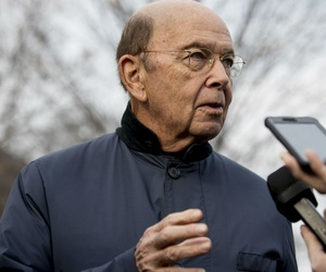 Commerce Secretary Wilbur Ross downplayed importance of omission on form.
