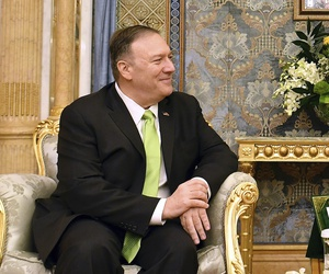 U.S. Secretary of State Mike Pompeo, left, meets with Saudi Arabia's Crown Prince Mohammed bin Salman in Jeddah, Saudi Arabia, on Wednesday, Sept 18, 2019.