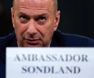 Ambassador Gordon Sondland, U.S. Ambassador to the European Union, center, appears before the House Intelligence Committee on Capitol Hill in Washington, Wednesday, Nov. 20, 2019